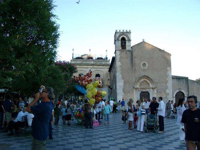 Piazza in Taormina