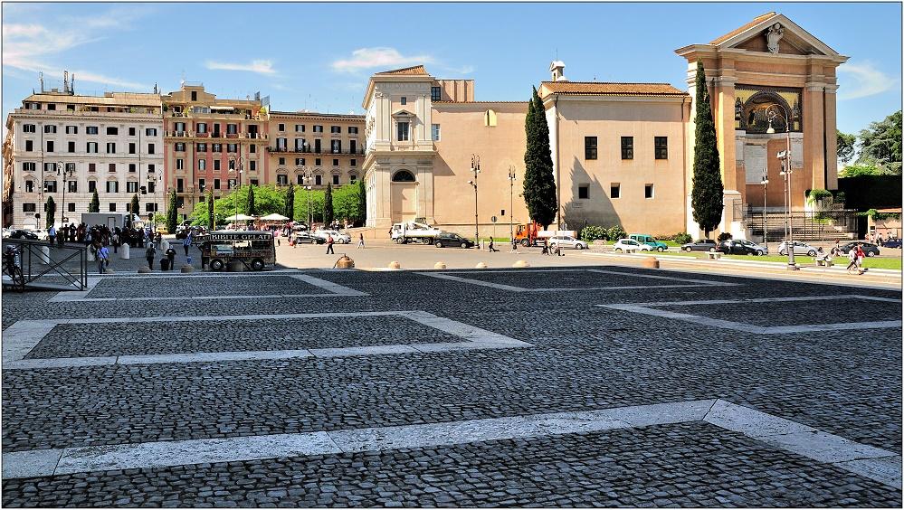 ... Piazza Porta San Giovanni ...