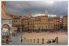 """piazza pulita"""