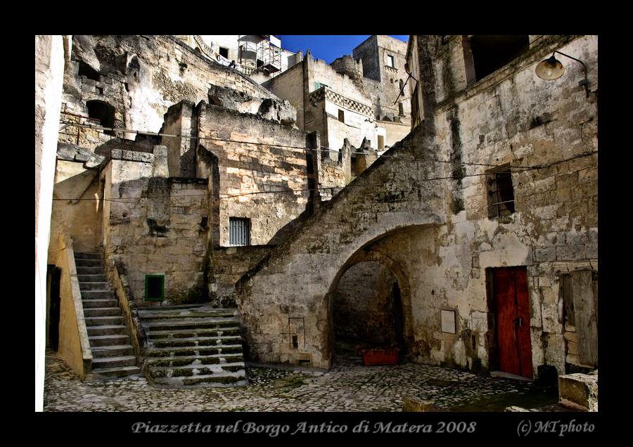 Piazzetta nel Borgo Antico di Matera