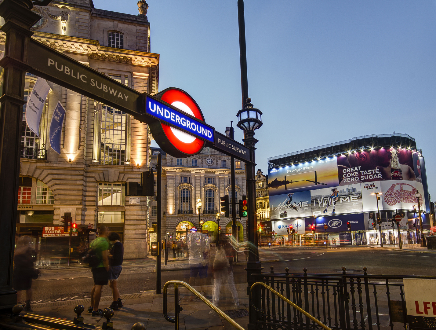 Piccadilly Circus - 01