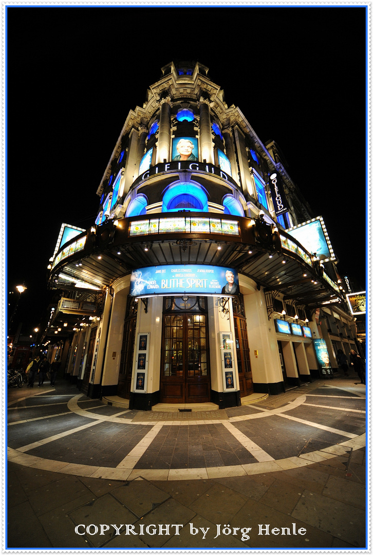 Piccadilly Circus - Shaftesbury Avenue - Blithe Spirit