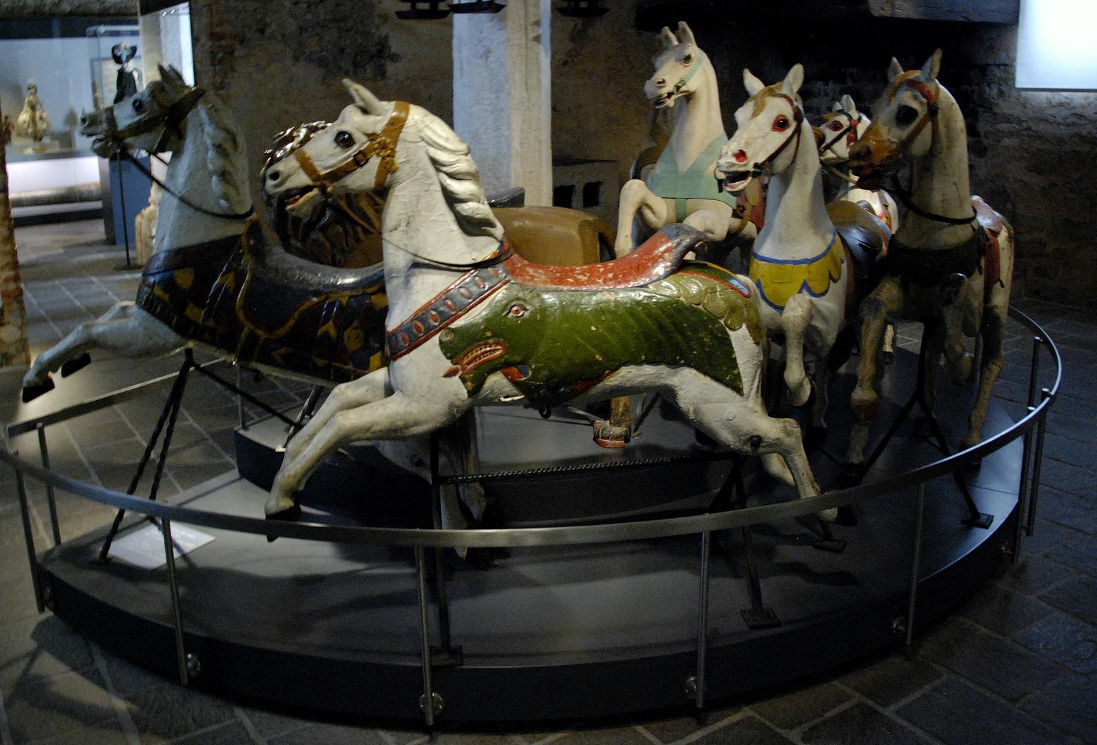 Piccoli cavalli che non hanno conosciuto la realta ............