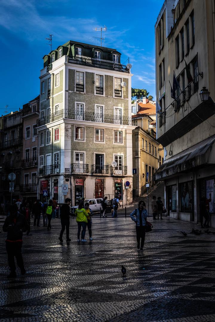 pick the last light of the street