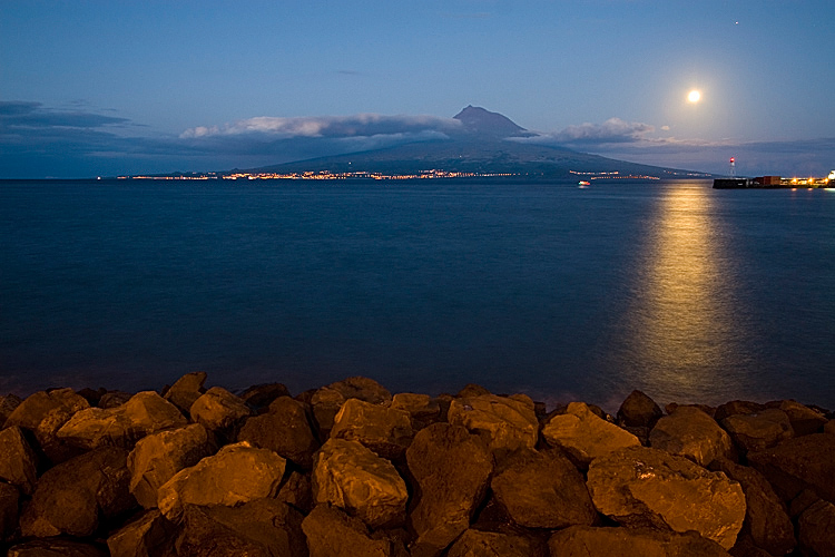 Pico by night