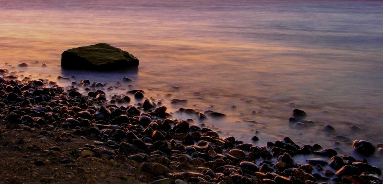 Piedras en el lago.