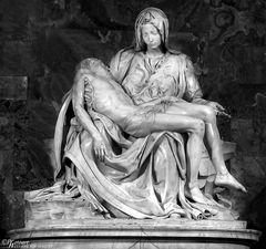 Pietà von Michelangelo