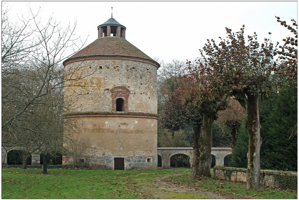 Pigeonnier du château de la Motte, Lorrez-le-Bocage