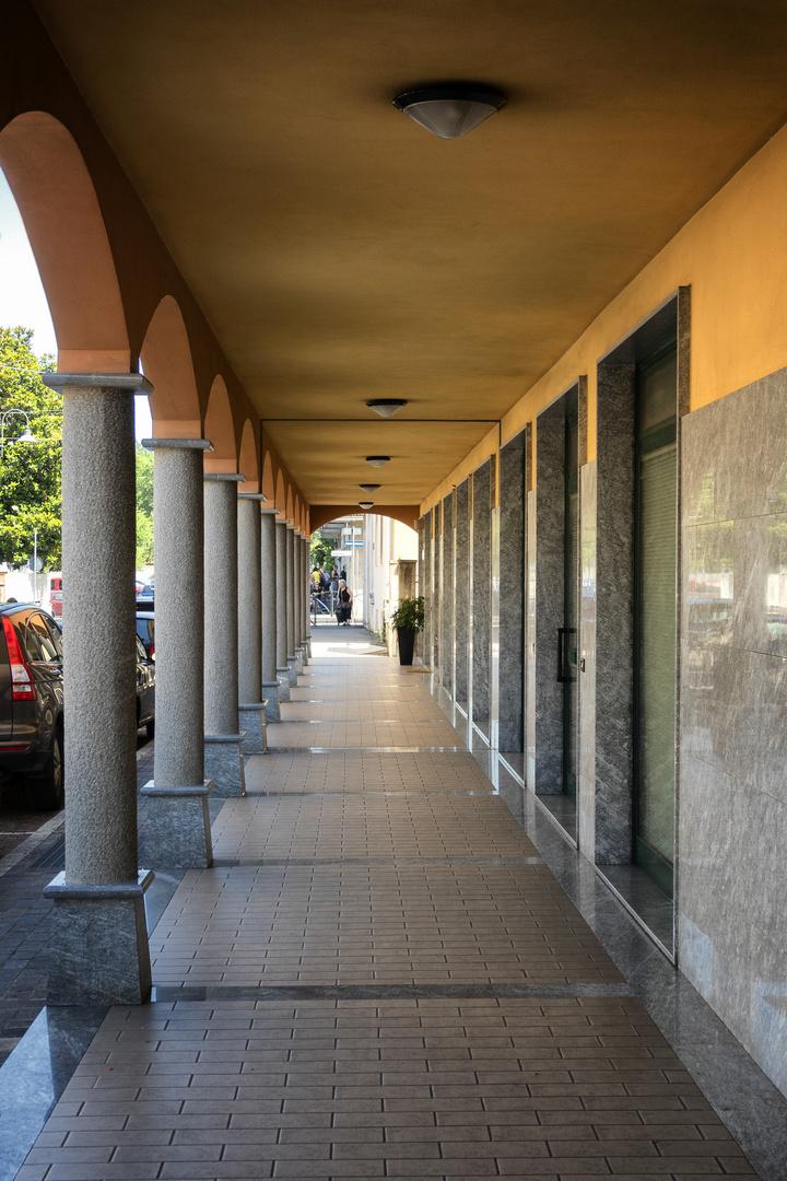 Pioltello, portici centro storico