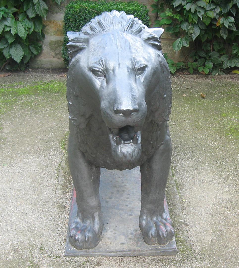 Pionierdenkmal seit 1698 - 1923 Dresdner Löwe