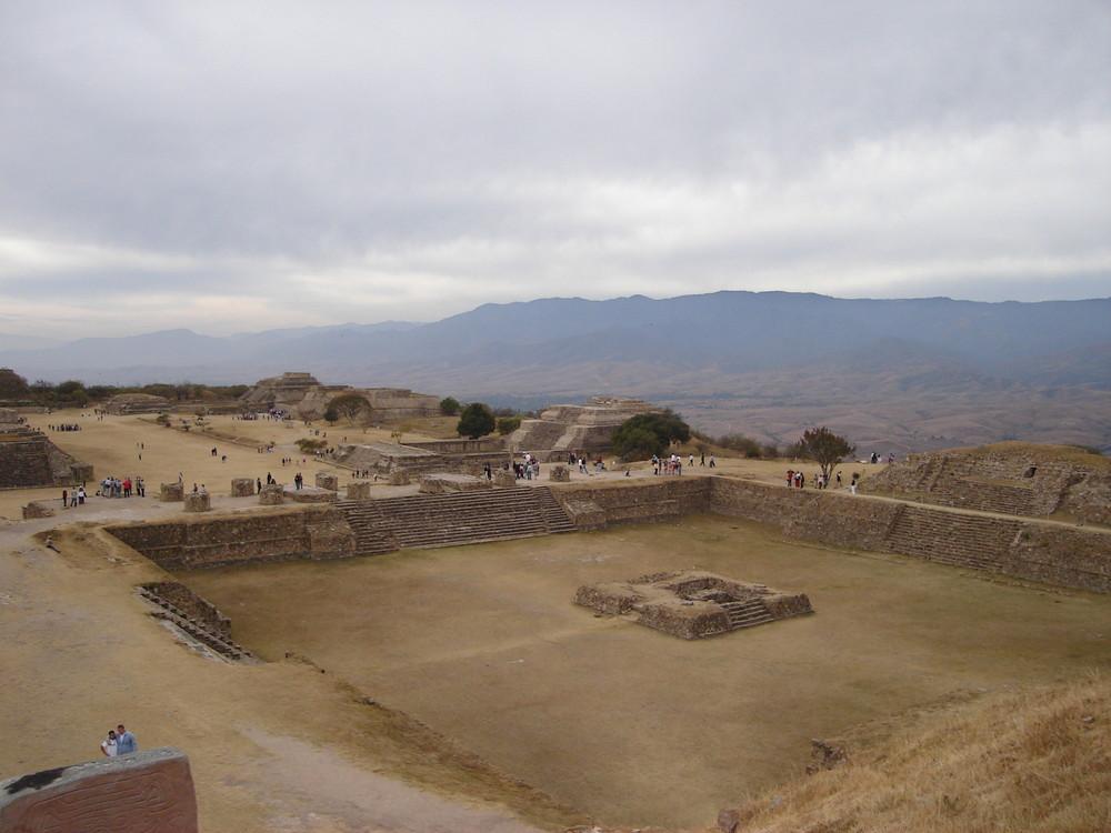 piramides de monte alban