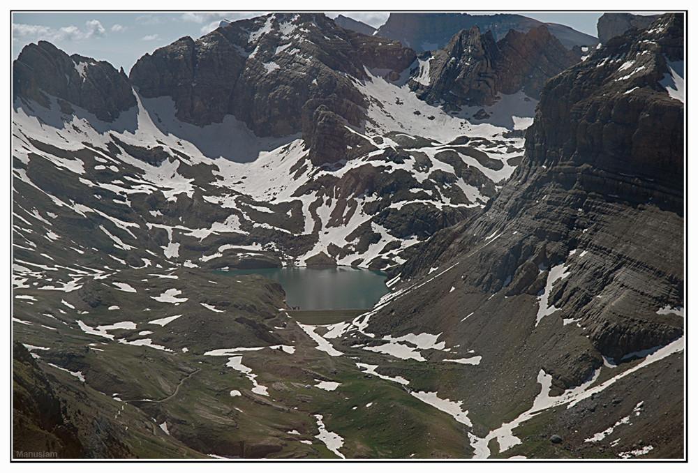 Pirineo aragonés, vista aerea.