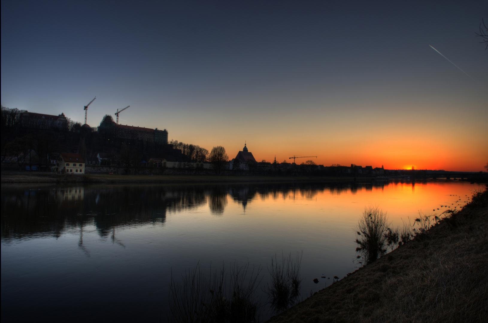 Pirna an der Elbe , bei Sonnenuntergang