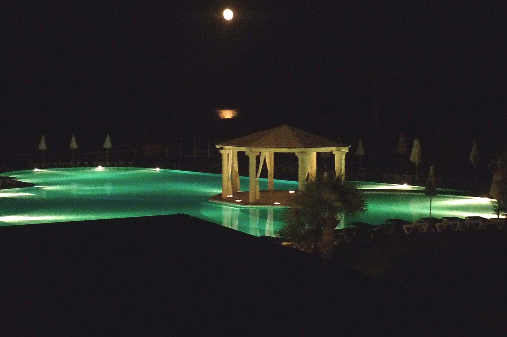 Piscina al chiar di luna