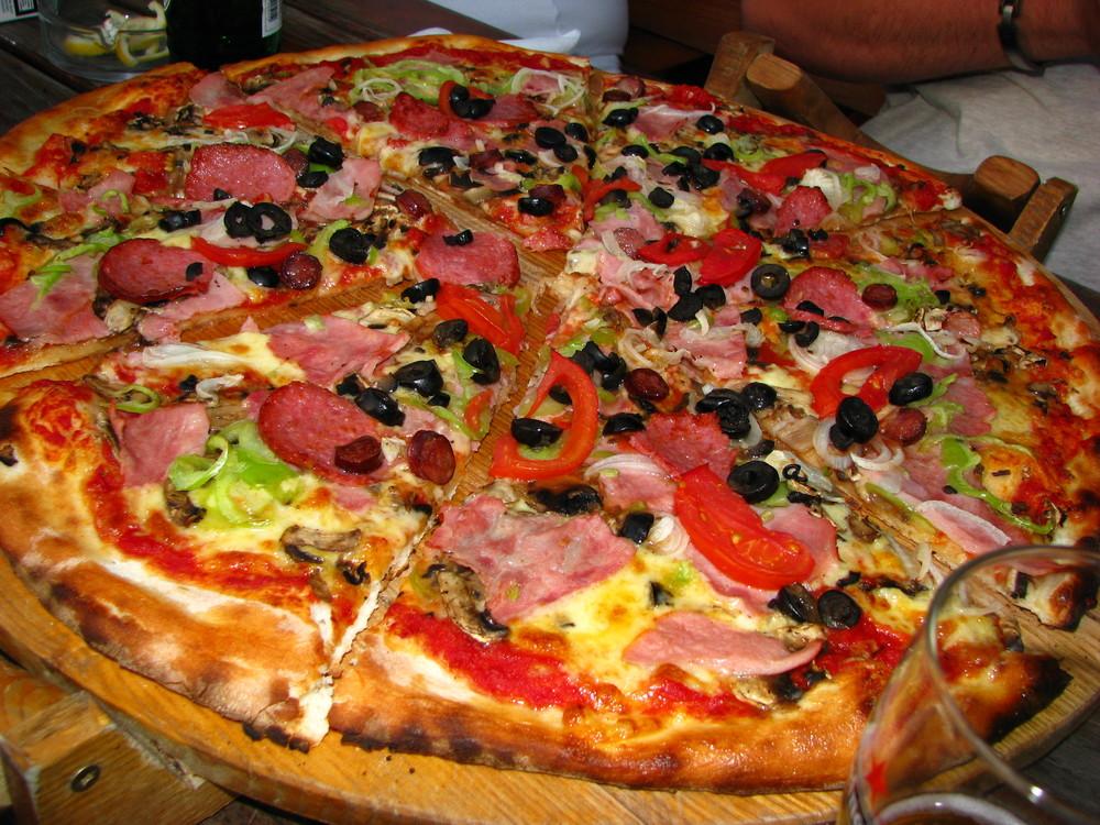Pizza. Big pizza!