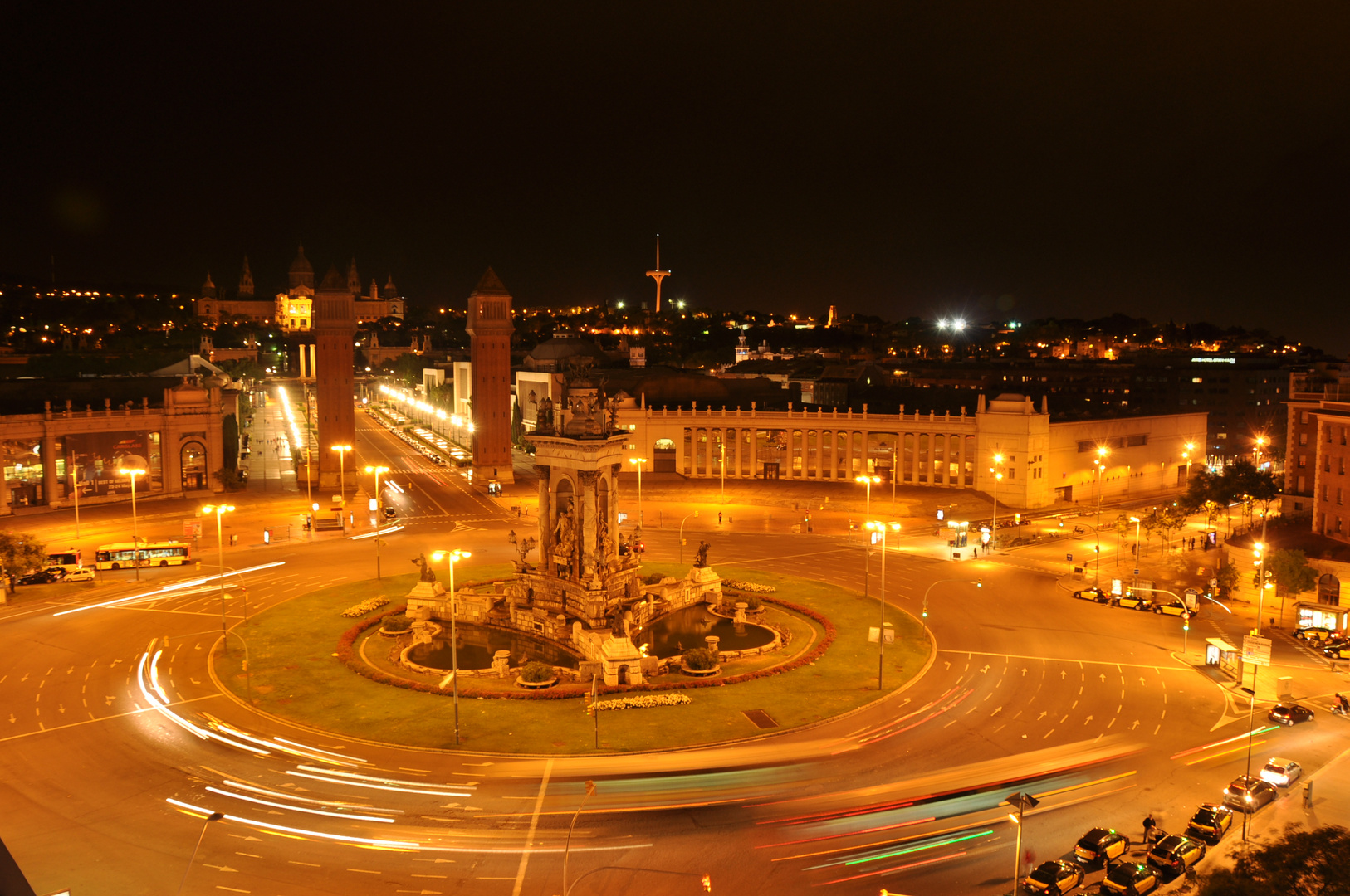 Plaça d'Espanya by the night