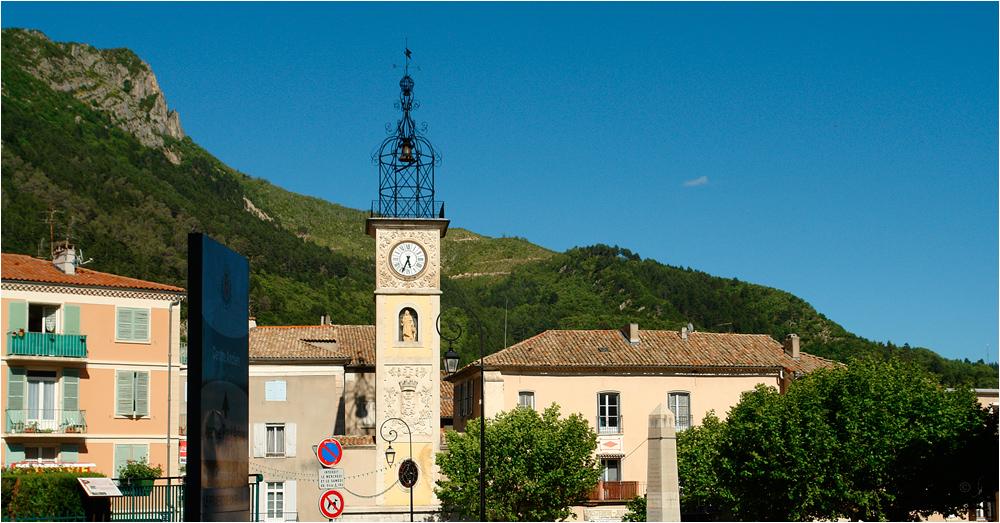 Place d'Horloge à Sisteron...