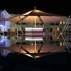 Plätze frei an der Pool-Bar