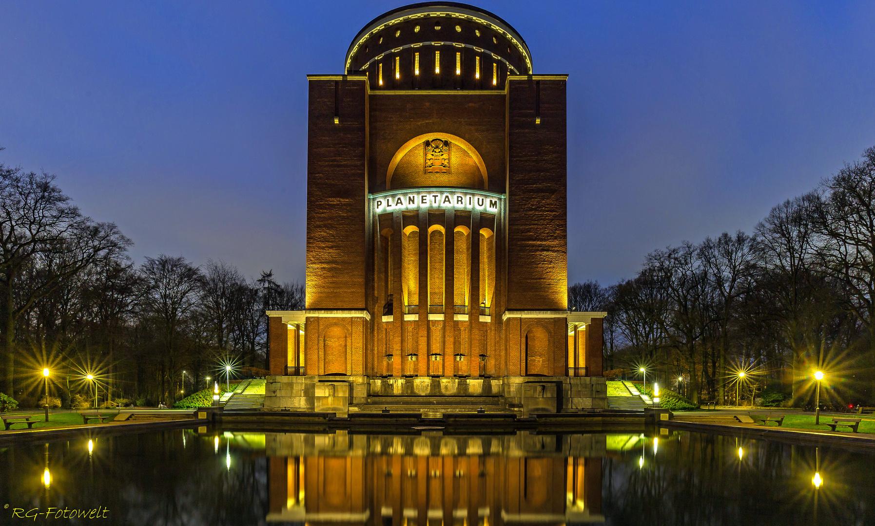 planetarium querformat foto  bild  architektur
