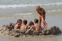 Plauderstündchen in der Sandbadewanne