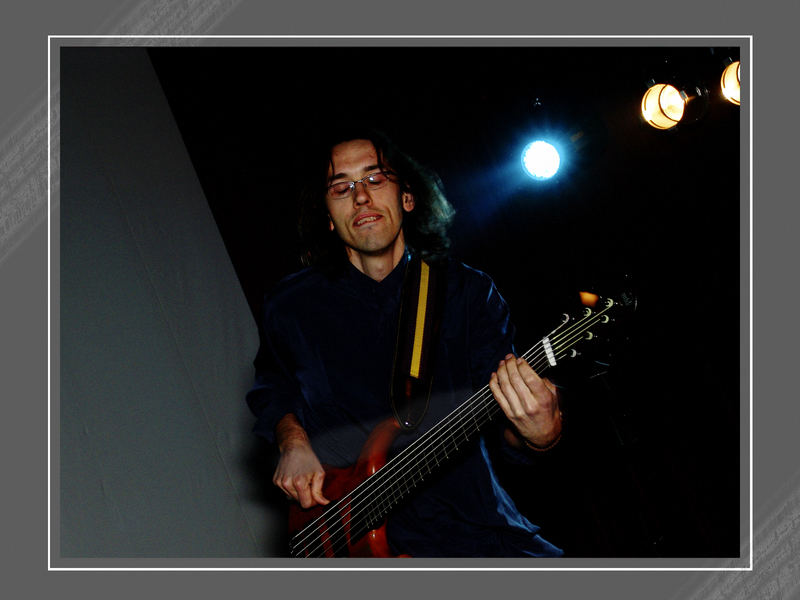 Play, my guitar