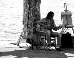 Play my music in the sun