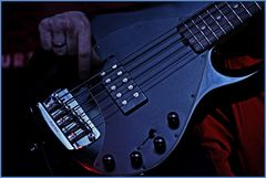 Play the Bass!