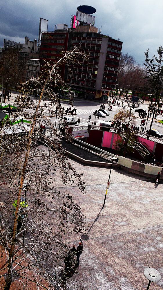 Plaza baquedano después de la Lluvia