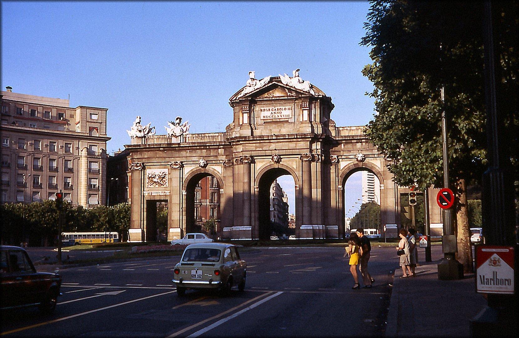 Plaza da Independencia y Alcalá
