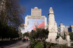 Plaza de Espana, Cervantes Denkmal