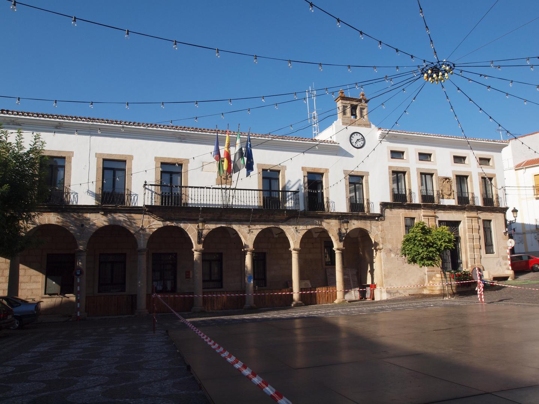PLAZA DEL AYUNTAMIENTO DE VALENCIA DE ALCANTARA