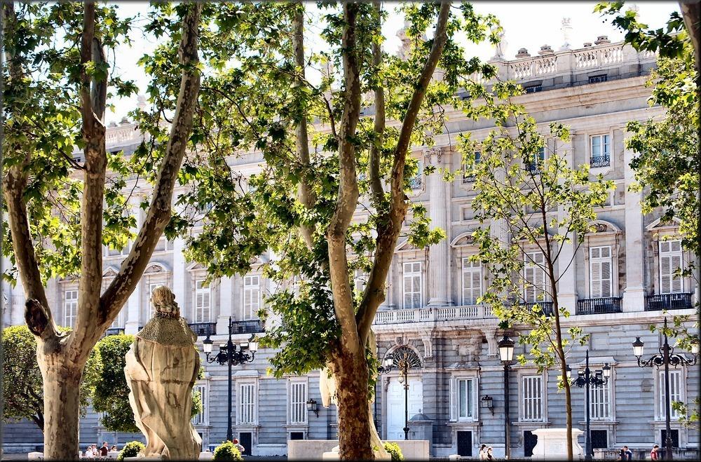 Plaza del Oriente