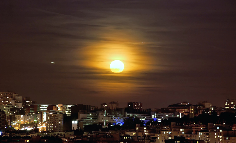pleine lune sur paris