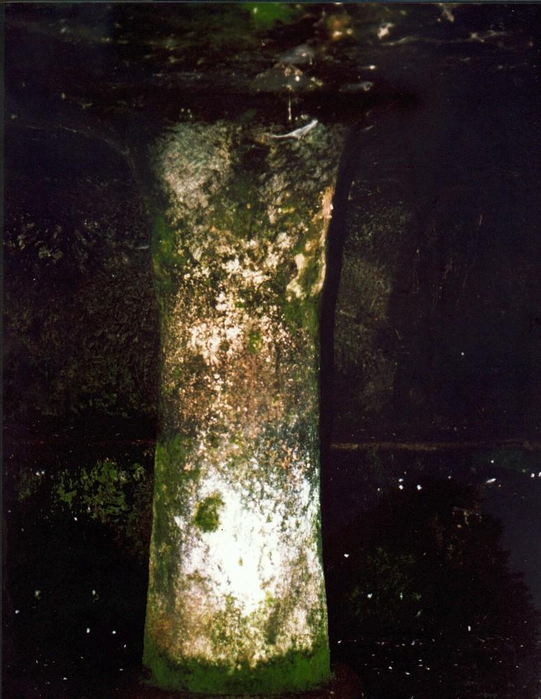 Ploaghe, interno di tomba rupestre (2)