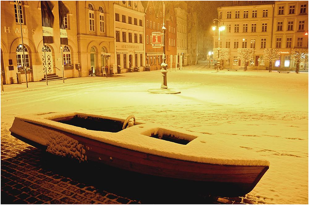 plötzlicher Wintereinbruch im Yachthafen