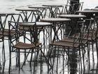 pluie sur les trottoirs de Paris