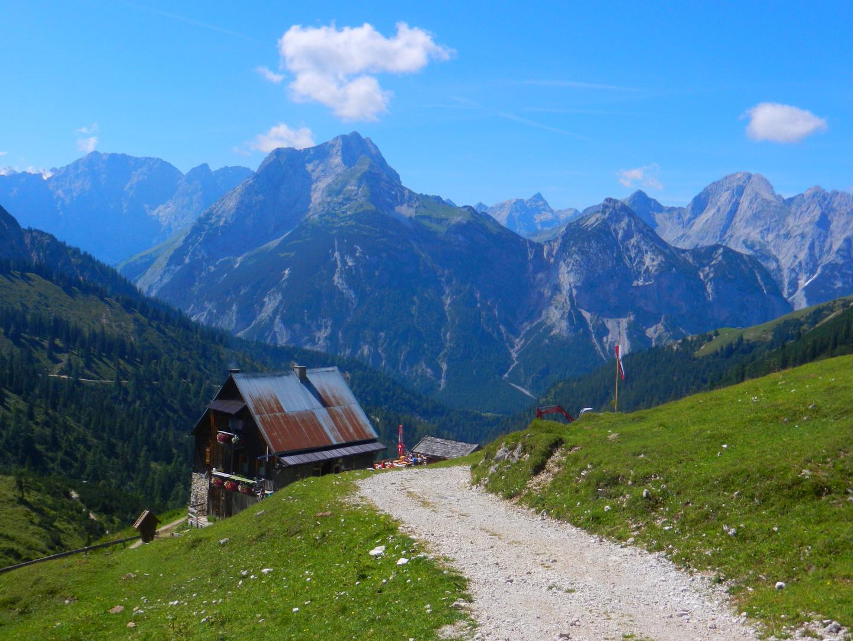 Plumsjochhütte und Karwendel