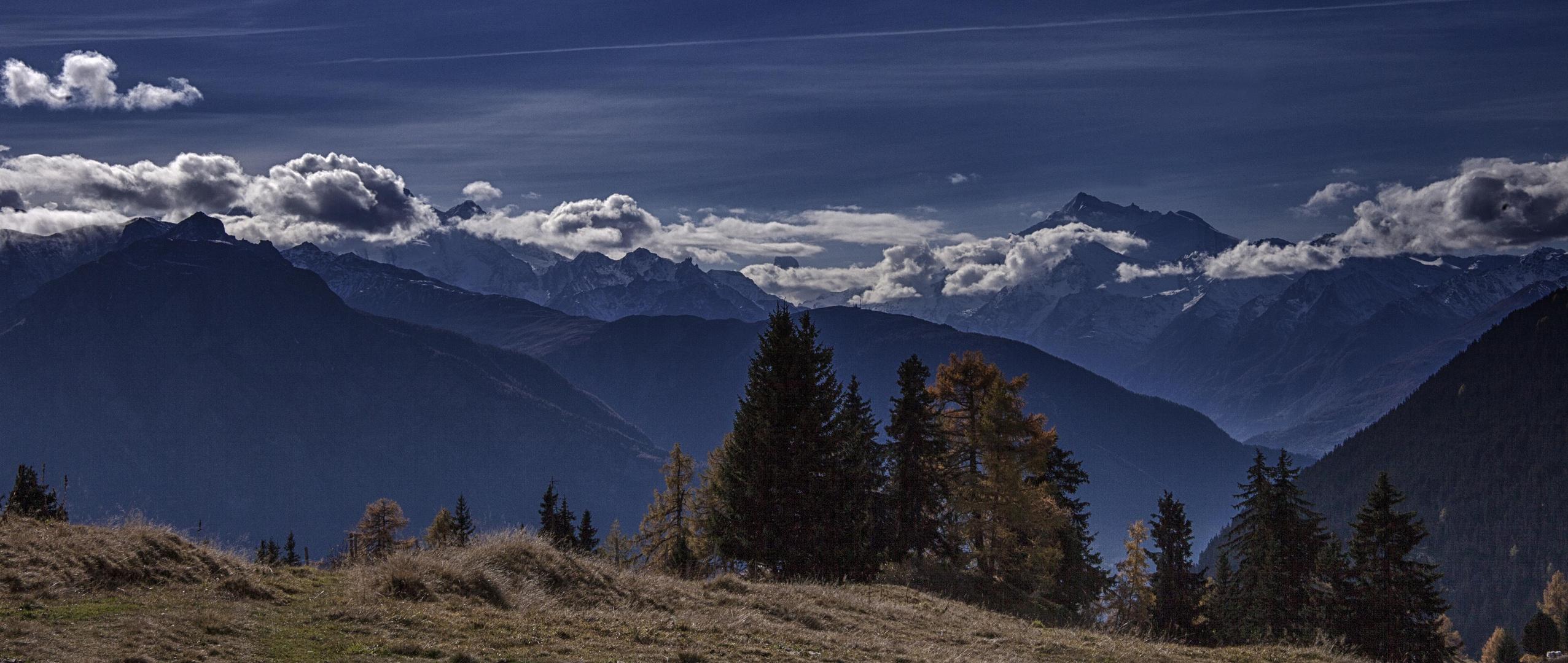 Poesievolle Novemberlandschaft im Wallis