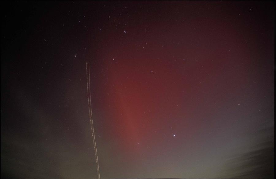 Polarlicht über Gummersbach + Flugzeugspur