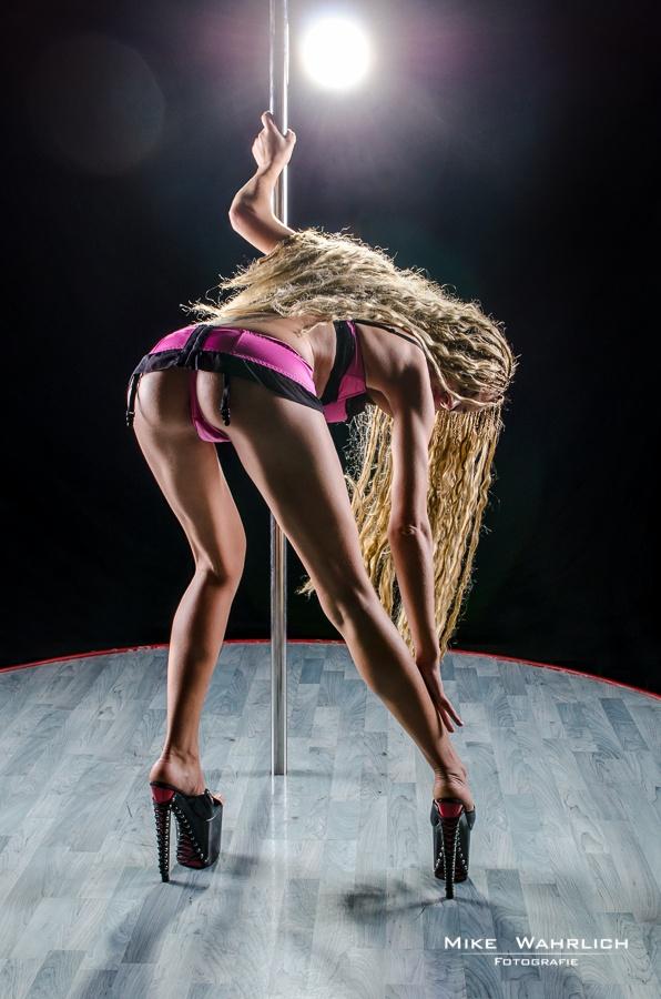 Pole Dance II