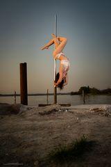 pole dance outdoor 04