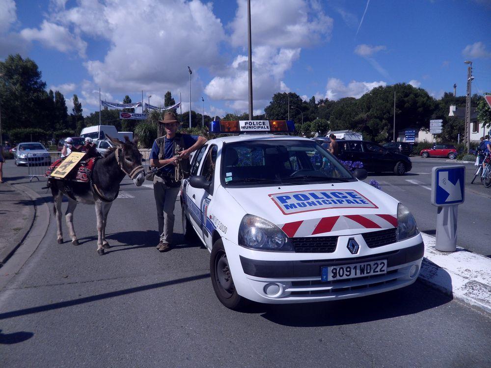 Policier breton en promenade :))