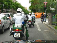 Polizei Eskorte x2