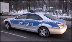 Polizei S-Klasse..