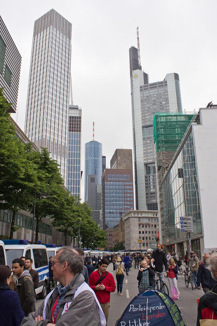 Polizei schützt die Banken