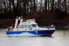 Polizeiboot auf dem Rhein (I)