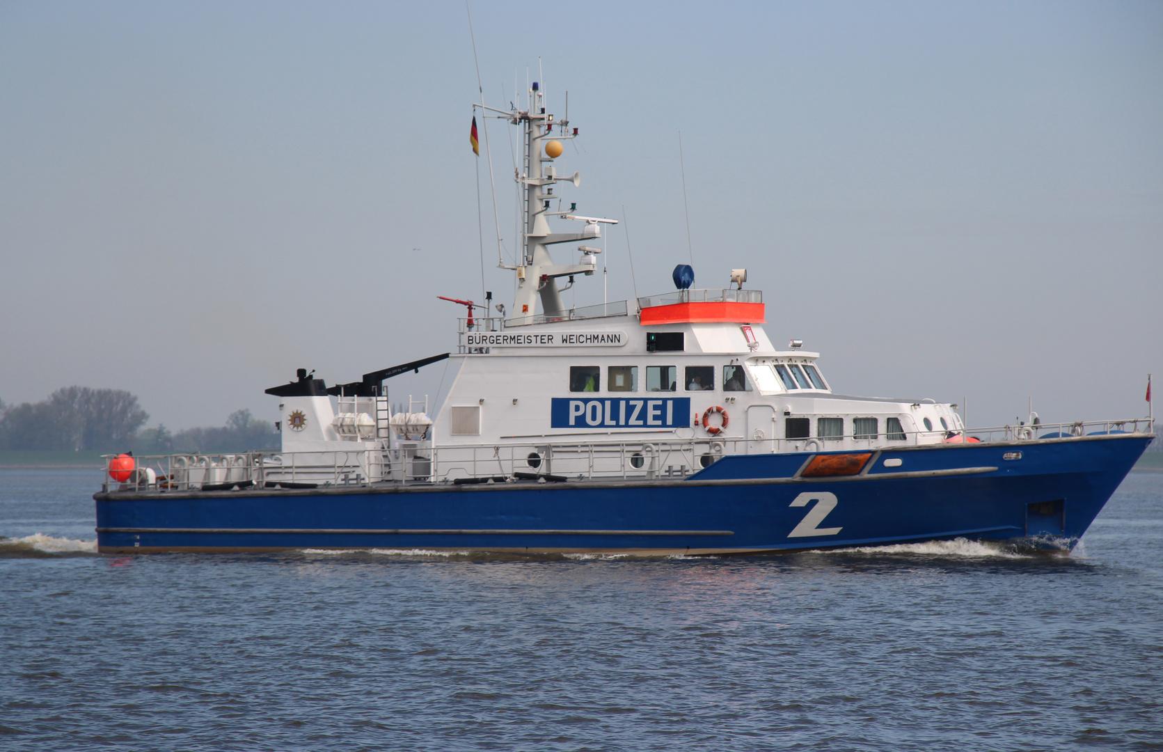 Polizeiboot auf der Elbe