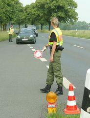 Polizeikontrolle vor WM-Spiel in Hannover - B65