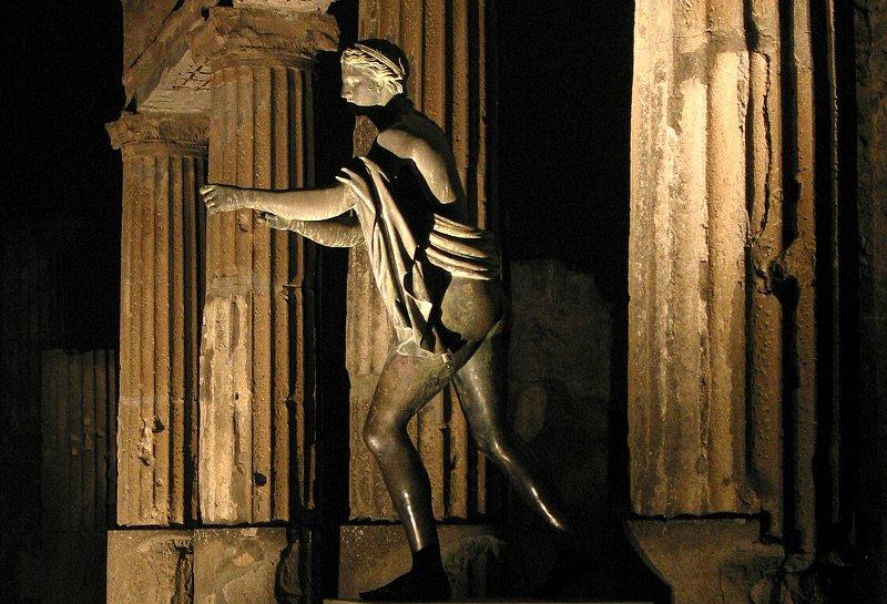 Pompeji: Apollo bei Nacht