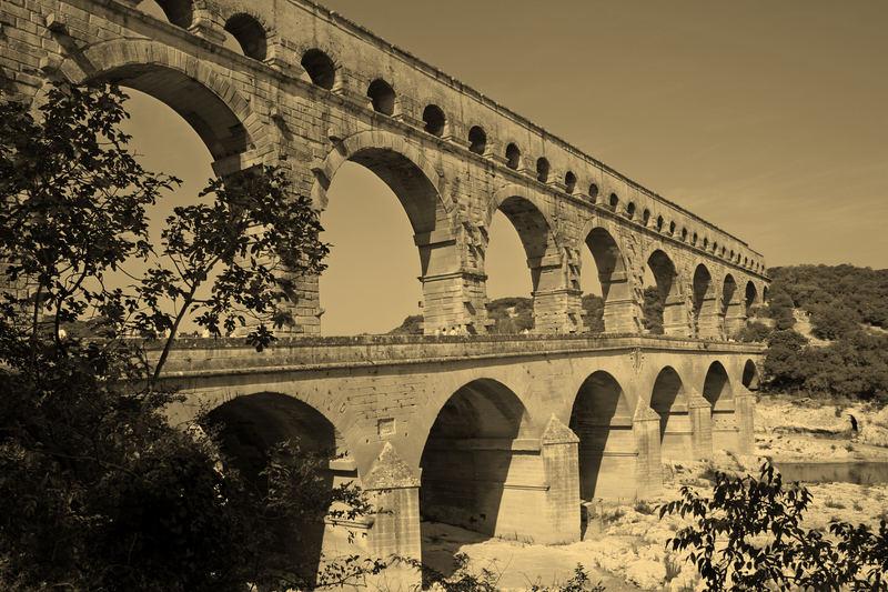pont du Gard sépia